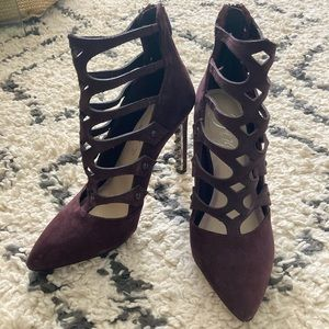 Fergie NEW Burgundy Pointy Strappy Lace Heels 6